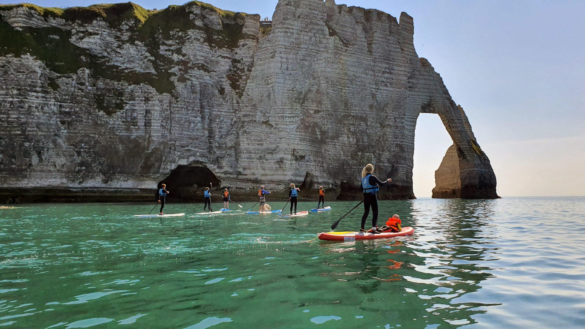 Découverte des arches d'Etretat en paddle ©Danielle Dumas
